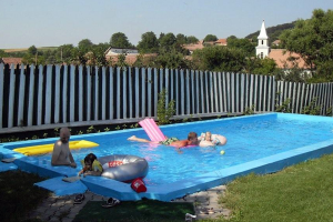 Swimming pool camping Doua Lumi